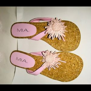 New Mia Pink Sandals Flower Design 8 1/2 B